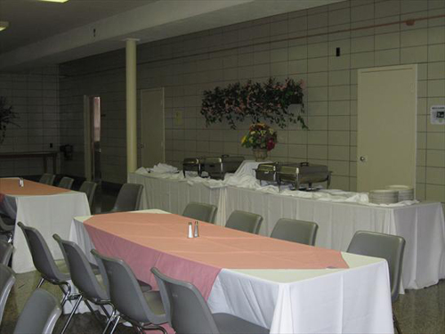 Flaget Center Tables